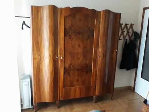 armadio degli  anni quaranta già restaurato