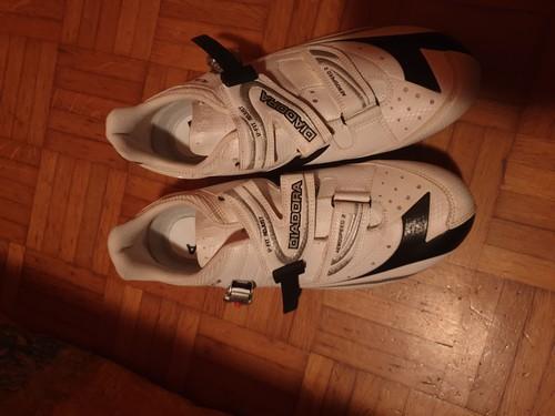Vendo scarpe per bici da corsa diadora